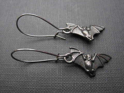 Black,Bat,Goth,Dangle,Earrings,Black Bat Goth Dangle Earrings, black metal, bats, handmade jewelry, handmade earrings
