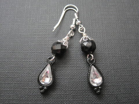 Gothic,Victorian,Black,Crystal,Dangle,Earrings,Gothic Victorian Black Crystal Dangle Earrings