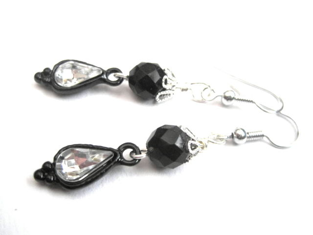 Gothic Victorian Black Crystal Dangle Earrings - product images  of