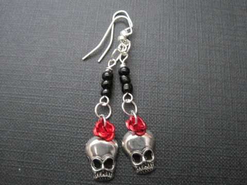Skull,Dia,De,Los,Muertos,Dangle,Earrings,Skull Dia De Los Muertos Dangle Earrings, day of the dead earrings, roses, skull, handmade jewelry
