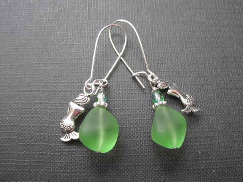 Green,Sea,Glass,Mermaids,Tears,Dangle,Earrings,Green Sea Glass Mermaids Tears Dangle Earrings, man made sea glass, mermaids' tears, handmade jewelry, handmade earrings