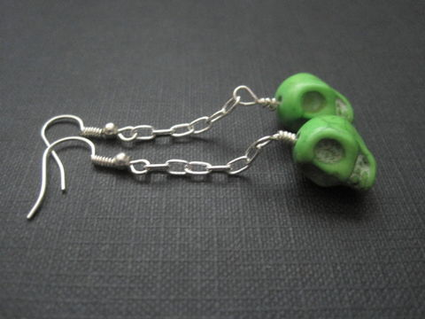 Green,Skull,Zombie,Chain,Dangle,Earrings,Green Skull Zombie Chain Dangle Earrings