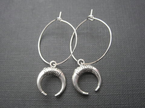 Crescent,Moon,Hoop,Earrings,,Goddess,Crescent Moon Hoop Earrings, Goddess moon, horn, antique silver hoop earrings