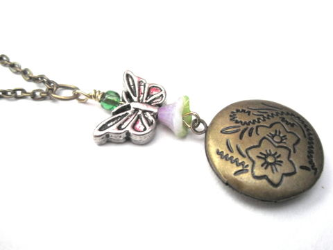 Butterfly,Floral,Brass,Locket,Necklace,Butterfly Floral Brass Locket Necklace, round locket, antique gold, flower, floral, butterfly, locket necklace