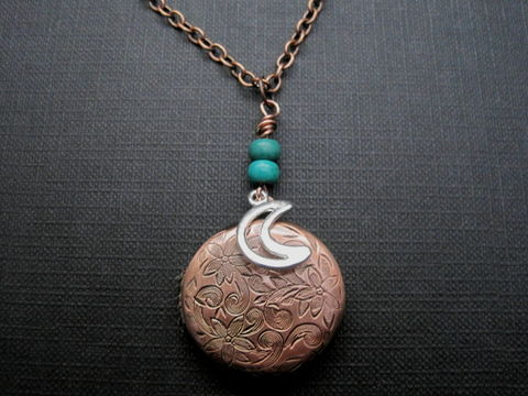 Crescent,Moon,Round,Copper,Locket,Necklace,Crescent Moon Round Copper Locket Necklace, floral locket, flowers, celestial, turquoise, romantic locket