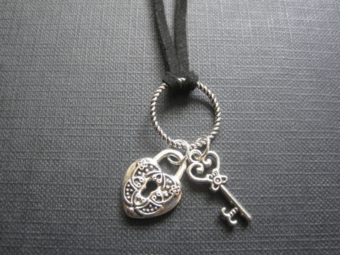 Heart,Lock,&,Key,Cord,Goth,Necklace,Heart Lock & Key Cord Goth Necklace, goth jewelry, handmade jewelry, Gothic heart, lock and key necklace
