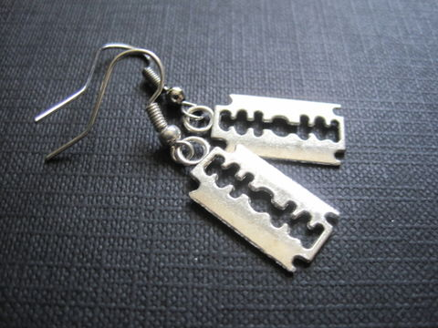 Razor,Blade,Goth,Dangle,Earrings,Razor Blade Goth Dangle Earrings, punk rock jewelry, goth jewelry, handmade earrings