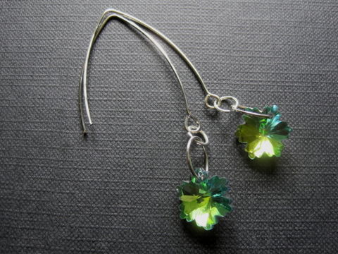 Green,Envy,Flower,Crystal,Dangle,Earrings,Green Envy Flower Crystal Dangle Earrings, handmade, fashion jewelry, green, flower, st patricks day,