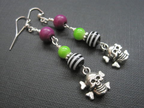 Beetlejuice,Skull,Crossbones,Dangle,Earrings,Beetlejuice Skull Crossbones Dangle Earrings, goth jewelry, horror jewelry, halloween, crossbones, beetlejuice jewelry, handmade earrings, stripes, black and white, purple, green, antique silver