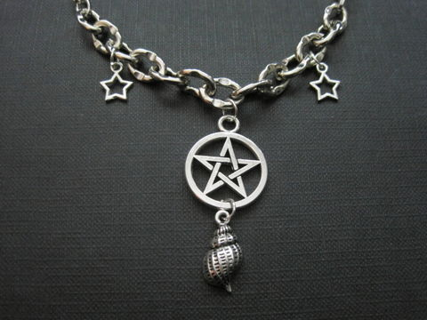 Pentacle,Sea,Shell,Witch,Chain,Choker,Pentacle Sea Shell Witch Chain Choker, handmade jewelry, witch jewelry, pentacle, sea shell, stars, sea witch, metal chain, metal choker, chain choker, antique silver