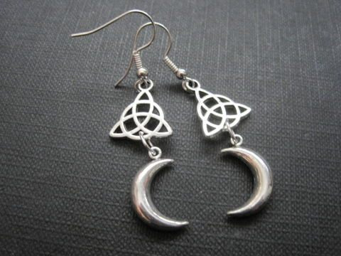 Triquetra,Celtic,Moon,Witch,Dangle,Earrings,Triquetra Celtic Moon Witch Dangle Earrings, handmade earrings, Celtic jewelry, witch jewelry, moon jewelry, moon, crescent moon, triquetra symbol, Irish witch, celtic witch jewelry, antique silver