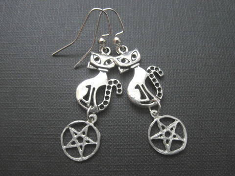 Cat,Pentacle,Witch,Earrings,Cat Pentacle Witch Earrings, witch jewelry, handmade earrings, pentacle jewelry, antique silver, goth jewelry, cat, pentagram, sabrina teenage witch