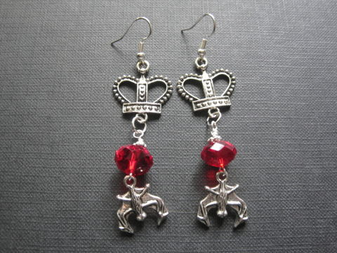 Vampire,Queen,Crown,Goth,Dangle,Earrings,Vampire Queen Crown Goth Dangle Earrings, vampire jewelry, goth jewelry, queen, crown, handmade earrings, red, antique silver, vampire queen