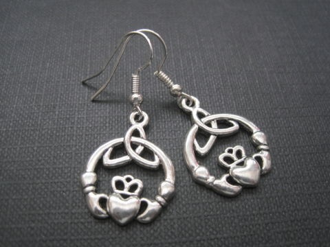 Claddagh,Celtic,Love,Dangle,Earrings,Claddagh Celtic Love Dangle Earrings, Celtic jewelry, claddagh, irish, love, handmade jewelry, antique silver, claddagh earrings