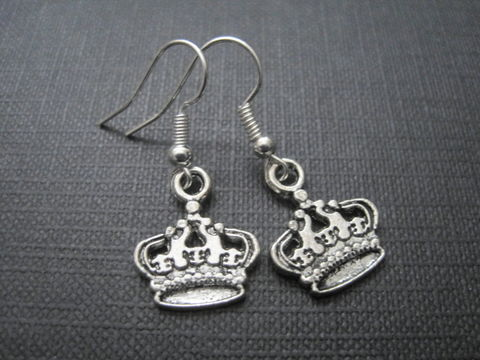 Crown,Dangle,Earrings,Crown Dangle Earrings, handmade earrings, Victorian queen, queen, princess, antique silver