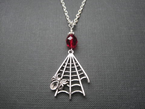 Vamp,Spiderweb,Vampire,Necklace,Vamp Spiderweb Vampire Necklace, handmade necklace, goth jewelry, vampire jewelry, halloween, vampira, vampy necklace, spider web, horror jewelry