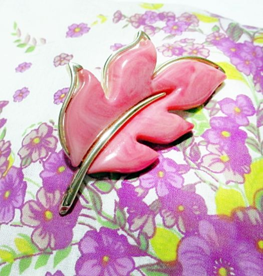 Vintage 1960s Sarah Coventry Leaf Brooch Peach Pink Plastic Thermoset   - product images  of