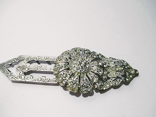 Vintage 1930s Flower Shaped Dress or Fur Clip with Brilliants in Silver Tone - product images  of