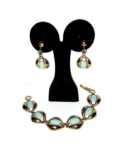 1960s,Vintage,Faux,Turquoise,Link,Bracelet,and,Drop,Earring,Set,Screw,Backs,Vintage bracelet set, 1960s, drop earrings, faux turquoise, gold tone, costume jewelry, screw back, blue,vintage jewelry,for sale,anothertimevintageapparel,sixties,tortoise