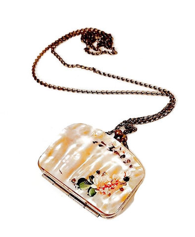 Antique,1900s,Mother,Of,Pearl,Miniature,Painted,Change,Coin,Purse,Necklace,Souvenir,antique mother of pearl purse, souvenir coin purse, victorian, edwardian, abalone, antique shell change purse, miniature, 1900s purse, doll purse, hand painted,  anothertimevintageapparel, antique purses, mother of pearl necklace