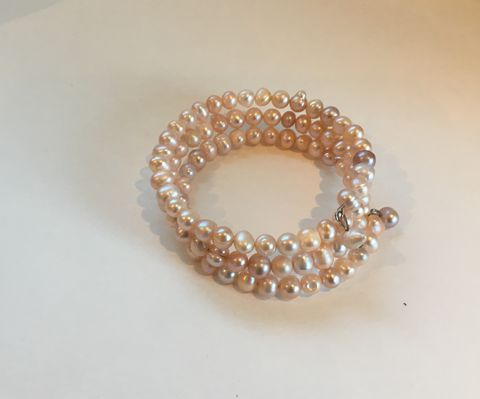 Fresh-water-pink-pearl-bracelet,Fresh water pearl bracelet in pale pink