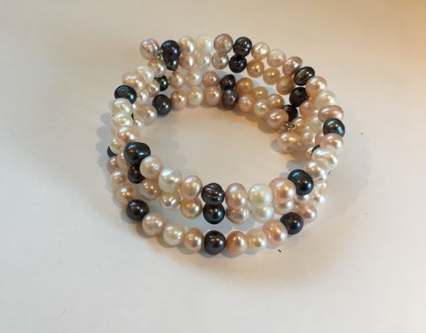 Fresh-water-pink-white-grey-pearl-bracelet,Fresh water pearl bracelet in pale pink, creamy white and slate grey