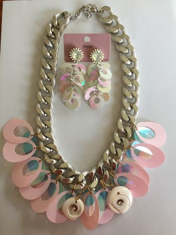 Fashion-Jewellery-Necklace,and,Earring,Set,Necklace with matching earring set