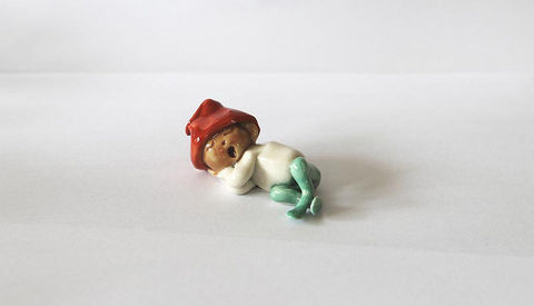 Sleeping,Baby,Leprechaun,-,Abbeycrafts,sleeping baby leprechaun, porcelain
