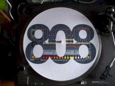 Slipmats,with,print,of,Roland,TR808,slipmat, roland, tb303, bassline, dj, turntable, sl1200, technics, tr808, TR909