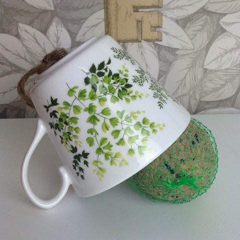 Vintage,Green,Leaf,Tea,Cup,Bird,Feeder,Vintage Tea Cup Bird Feeder