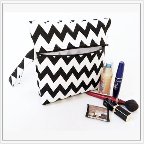 Black,Chevron,Makeup,Wristlet,Clutch,Black Chevron Makeup Wristlet, Chevron Makeup bag, Black Chevron. Zig Zag Makeup Bag