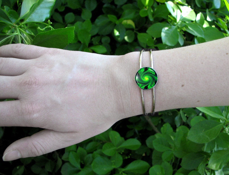 "Green Cuff Bracelet, Reiki Energy ""Heart Chakra Swirl"" - product images  of"