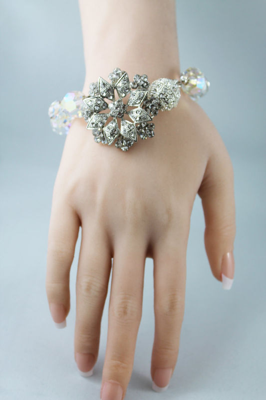 Elegant Crystal Bangle Wedding Bracelet - product images  of