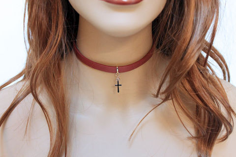 Red,Leather,Gold,Cross,Choker,Jewelry,Necklace,choker_necklace,gold_choker,leather_choker,simple_choker,casual_choker,leather_collar,cross_necklace,cross_choker,red_choker,leather_necklace,leather_jewelry,red_leather,simple_necklace,leather,rose gold cross,mixed metals