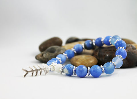 Blue,Agate,Fish,Bone,Charm,Bracelet,Jewelry,Beaded,blue_agate_bracelet,mens_bracelet,gemstone_bracelet,stacking_bracelet,bead_bracelet,fish_bone_charm,unisex_bracelet,charm_bracelet,fish_bracelet,mens_jewelry,blue_bead_bracelet,stretch_bracelet,gift_idea,blue agate,white crystal,fi