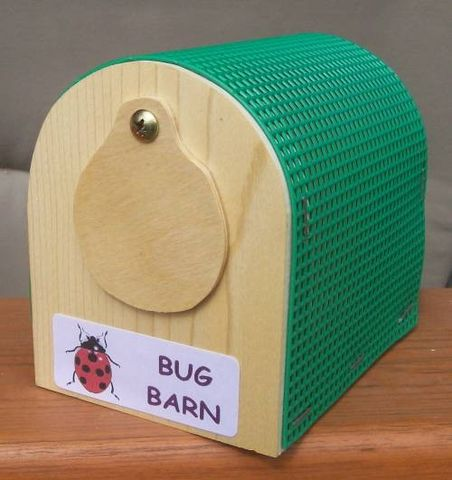 Insect,keeper,,Bug,barn,toys, pretend, storage, bug, insect, keeper, barn, box, pine, plastic_canvas
