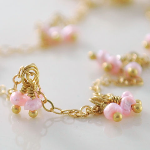 Pink,Pearl,Anklet,Delicate,in,Gold,with,Daisy,Jewelry,Chain,gold_filled,elegant,freshwater_pearl,lightweight,pretty,feminine,flirty,pink,rose,jewellery,ankle_bracelet,flower,seed,gold_fill,gold_vermeil