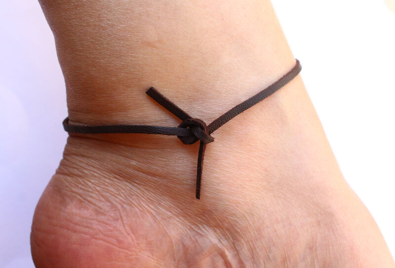 Boho Feather Anklet In Faux Leather - product image
