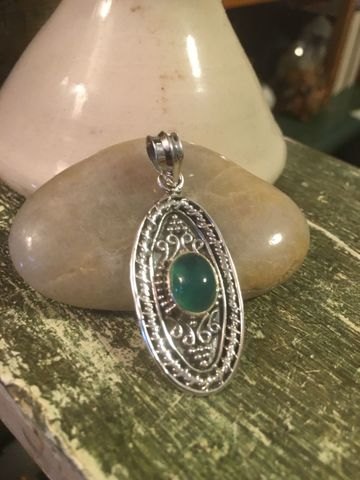 Green,Adventurine,925,Sterling,Silver,Oval,Pendant,Sterling Silver and gemstone. Green adventurine sterling Pendant, Green Adventurine Pendant, healing stone pendant,Wear for Good luck, Promotes Tranquility, Stone of Success, Adventurine Gemstone, attract friendship, attract Abundance
