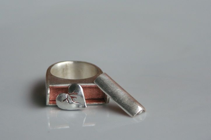 Broken Heart Cachet Ring