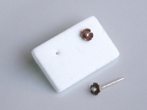 Tiny,Flower,Earrings,Jewelry,Post,everyday_wear,elegant,beatriz_fortes,mixed_metals,mixed_metals_earring,tiny_flower_earrings,copper_earrings,silver_earrings,contemporary_jewelry,simple_stud_earrings,small_earrings,aspiringmetalsteam,ecofriendly,copper,sterling silve