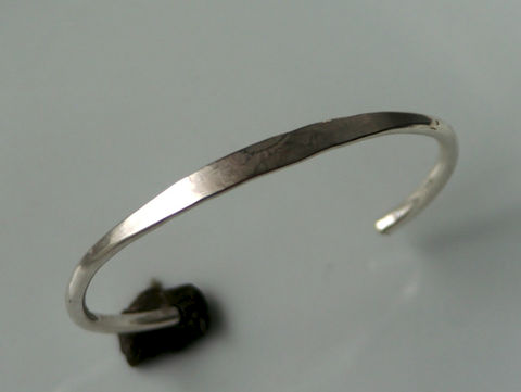 Heavy,Forged,Silver,Cuff,Bracelet,Jewelry,sterling_silver,beatriz_fortes,silver_cuff_bracelet,silver_bracelet,aspiringmetalsteam,contemporary_jewelry,forged_silver_cuff,hammered_silver_cuff,textured_silver_cuff,modern_silver_cuff,elegant_silver_cuff,ecofriendly,heavy_silver_