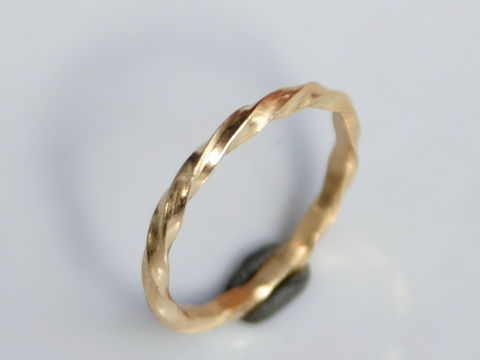 Twisted,18k,gold,stacking,ring,Jewelry,Ring,Gold,beatriz_fortes,aspiringmetalsteam,contemporary_jewelry,eco_friendly,18k_yellow_gold,2mm_stacking_ring,gold_stacking_ring,gold_wedding_ring,mens_wedding_ring,gold_wedding_band,twisted_gold_ring,twisted_stacker,2mm_twisted_ring,18k gold