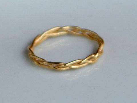 Braided,Ring,Jewelry,Gold,beatriz_fortes,aspiringmetalsteam,contemporary_jewelry,eco_friendly,18k_yellow_gold,2mm_stacking_ring,gold_stacking_ring,gold_wedding_ring,gold_wedding_band,braided_gold_ring,2mm_braided_ring,stackable_jewelry,sterling_silver,18k gold