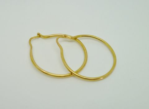 Simple,Gold,Hoops,Jewelry,Earrings,Metalwork,beatriz_fortes,contemporary_jewelry,eco_friendly,18k_yellow_gold,gold_post_earrings,gold_hoop_earrings,simple_gold_earrings,brushed_finish_gold,18k_gold_hoops,18k_gold_earrings,simple_18k_gold_hoop,rose_gold_earrings,rose_gold_h