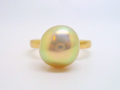 Pearl,and,Gold,Ring,pearl, pearl ring, high karat gold, pearl, metallic pearl, freshwater pearl, june birthstone, beatriz fortes, contemporary jewelry, handmade jewelry, artisan jewelry, art jewelry
