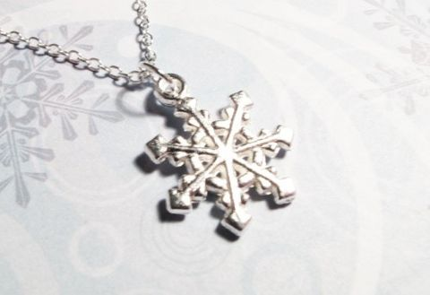 Snowflake,Necklace,,winter,wonderland,snow,flake,wedding,christmas,snowflake necklace, snow flake, winter, cold, hiver, flocon de neige, christmas, noel, jewelry, seasonal, silver, snow, north pole, cscharms, cs charms, etsy, frost, chic