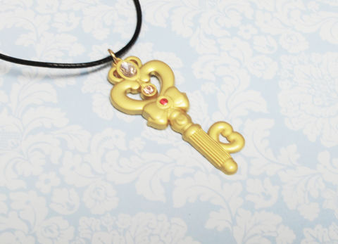Sailor,Moon,Time,Key,Necklace,sailor moon necklace, pendant, animé, jewelry, gold, time key, golden key, geeky, moonie