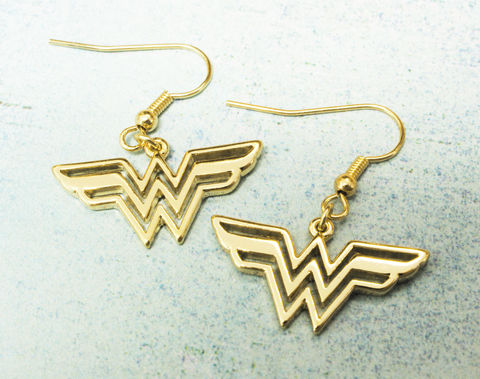 Wonder,Woman,Dangle,Earrings,wonder woman, earrings, dangle, geeky girl, comic book jewely, golden, stainles steel, classic