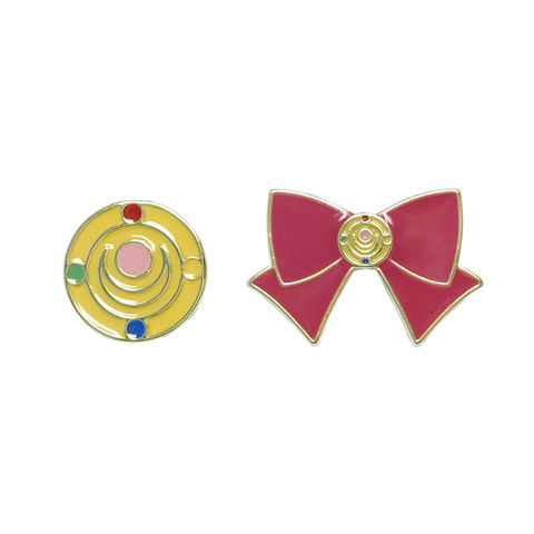 Sailor,Moon,Bow,and,Transformation,Brooch,Pin,Set,sailor moon, pin, brooch, enamel pin, set, bow, pink, transformation brooch, crystal brooch, geeky, animé, pin collection
